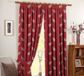Tissu Luberon Feuille Brodee Rouge Placement Stk